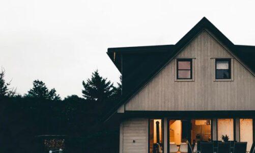 Hvordan kan en boligforsikring hjælpe dig trygt igennem handlen?